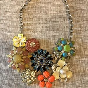 Banana Republic Floral Jeweled Necklace!!